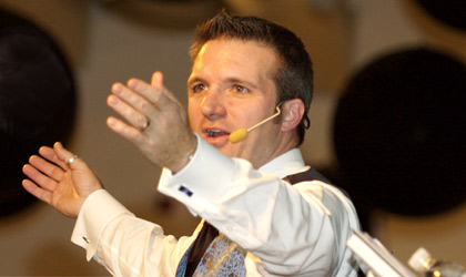 Greg Quiroga, auctioneer